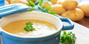 Kartoffelcremesuppe mit Kräutern